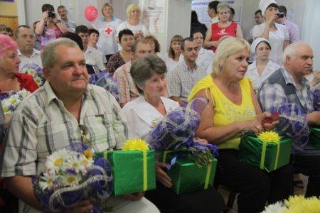Во Всемирный день доноров крови еще 15 жителей Днепропетровщины получили высокое звание «Почетный донор Украины»